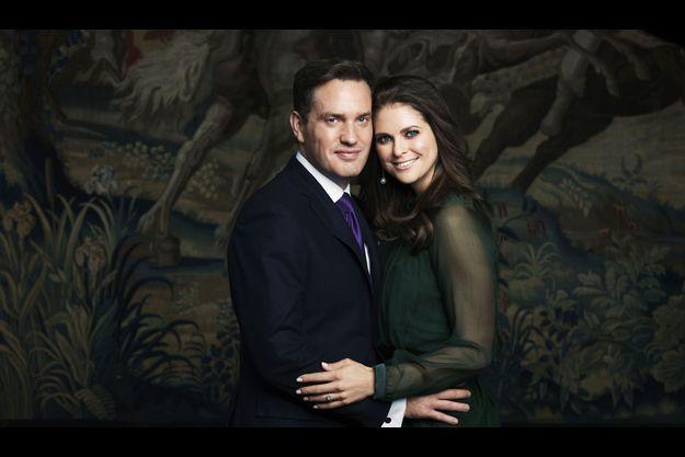 Le palais royal a dévoilé le cliché officiel des fiançailles du couple.