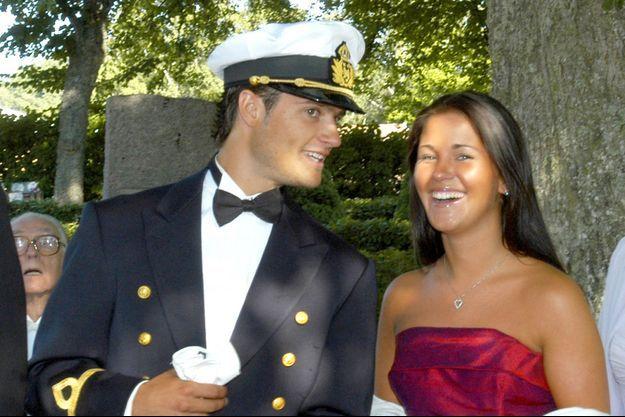 Le prince Carl Philip de Suède et Emma Pernald, le 9 août 2003