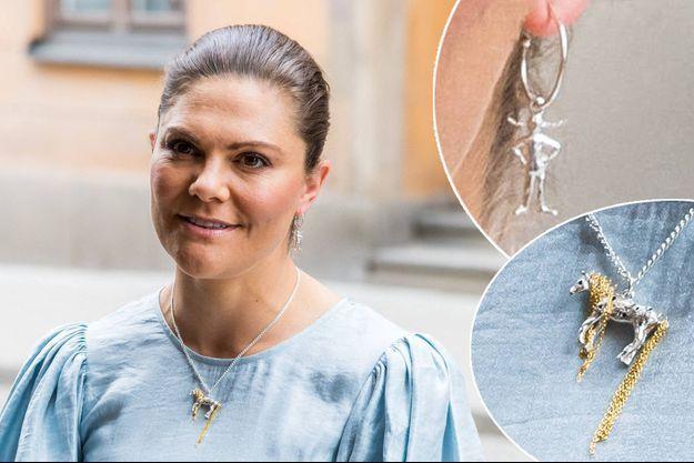 """La princesse Victoria de Suède à Stockholm, le 31 mai 2021. En vignettes, ses bijoux """"Fifi Brindacier"""""""