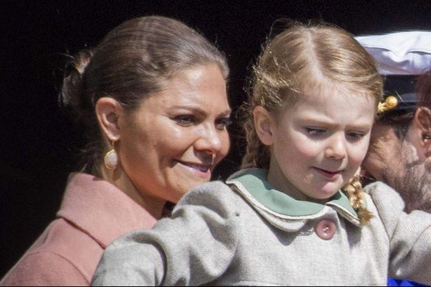 Les princesses Victoria et Estelle de Suède, le 30 avril 2017
