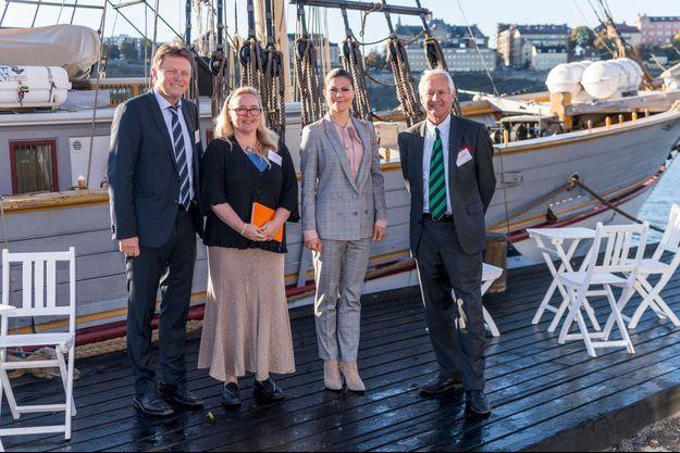 La princesse Victoria de Suède devant le deux mats Tre Kronor à Stockholm, le 3 octobre 2016