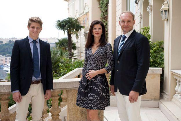 Jean, Nerine et François Pienaar sur la terrasse de l'hôtel Hermitage, à Monaco, la veille du baptême de Jacques et Gabriella.