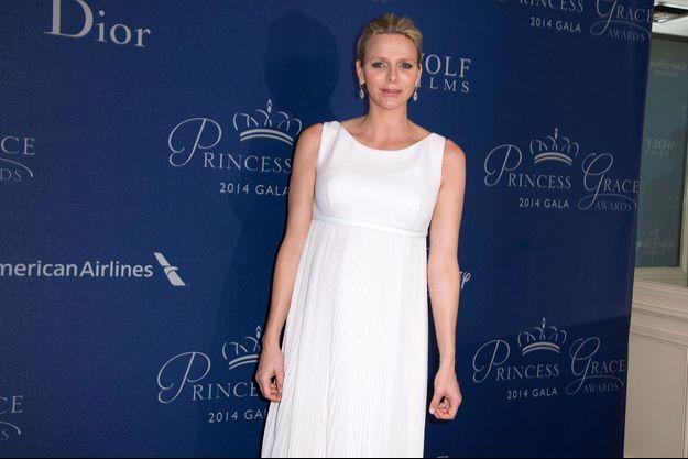 Enceinte, Charlène de Monaco n'en était pas moins présente mercredi soir à Los Angeles pour la cérémonie des Princess Grace Awards.