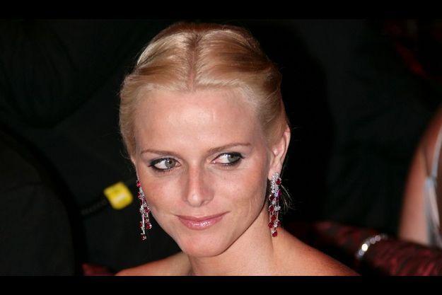 Charlene, au balde la Croix-Rouge en juillet 2007.