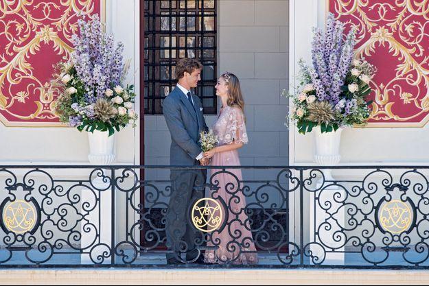 La Maison de Haute Couture Valentino a posté cette photo du mariage de Pierre et Béatrice sur Instagram.