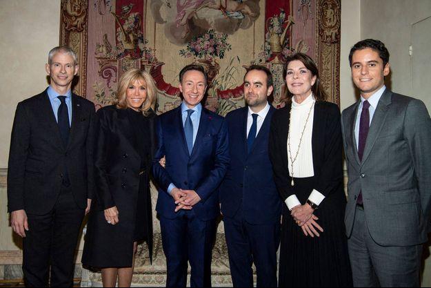 La princesse Caroline de Hanovre avec Franck Riester, Brigitte Macron Stéphane Bern, Sebastien Lecornu et Gabriel Attal à Paris, le 15 janvier 2020