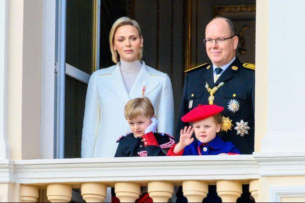 Le prince Albert II de Monaco, la princesse Charlène et leurs enfants le prince Jacques et la princesse Gabriella, le 19 novembre 2019