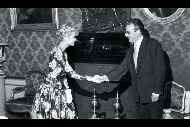 Le 6 mai 1955: première rencontre. Grace Kelly à 25 ans, le prince 31. Ils se marieront un an plus tard.