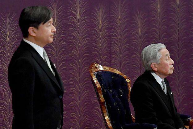 L'empereur Akihito du Japon et son fils aîné le prince héritier Naruhito, le 16 janvier 2019