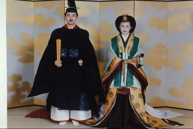 Portrait du prince Fumihito d'Akishino et de Kiko Kawashima lors de leur cérémonie de mariage, le 29 juin 1990