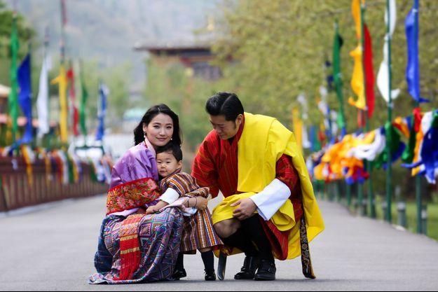 Le Royal Baby du Bhoutan avec ses parents le roi Jigme Khesar Namgyel Wangchuck et la reine Jetsun Pema
