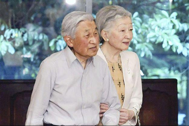 L'empereur Akihito et l'impératrice Michiko du Japon à Tokyo, le 1er juin 2017