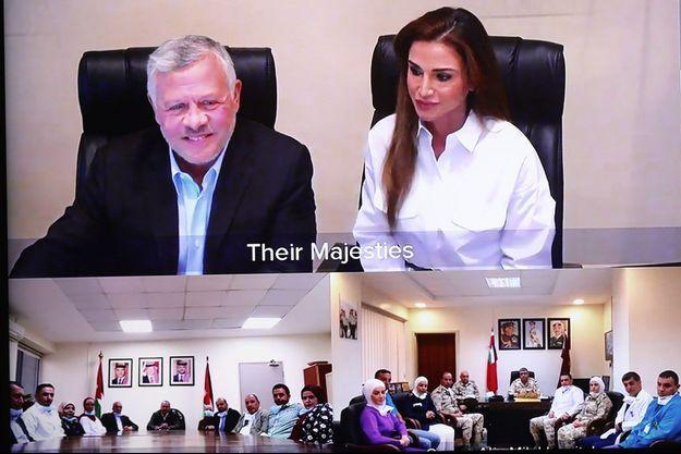 La reine Rania et le roi Abdallah II de Jordanie en visioconférence à Amman, le 24 avril 2020