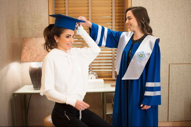 La reine Rania de Jordanie et sa fille la princesse Salma, à Amman le 22 mai 2018