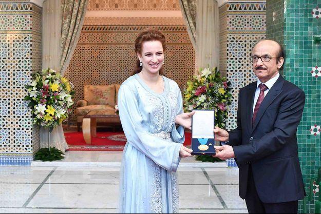 La princesse Lalla Salma de Maroc reçoit la médaille d'or de l'OMS à Rabat, le 22 mai 2017