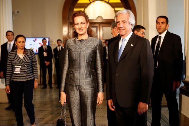 La princesse Lalla Salma du Maroc avec le président de l'Uruguay Tabaré Vazquez à Montevideo, le 18 octobre 2017