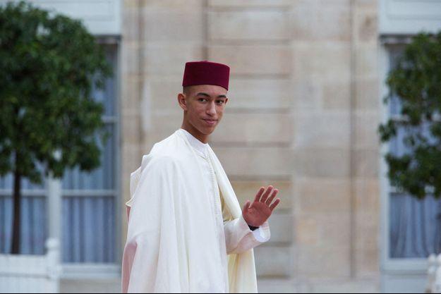 Le prince Moulay El Hassan du Maroc, dans la cour du palais de l'Elysée à Paris, le 30 septembre 2019