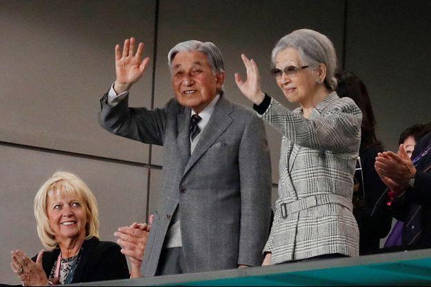 L'empereur émérite Akihito du Japon et l'impératrice émérite Michiko à Tokyo, le 1er novembre 2019