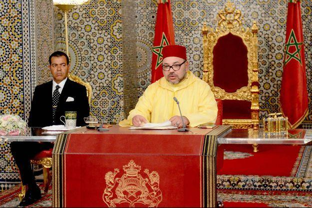 Le roi du Maroc Mohammed VI et son frère le prince Moulay Rachid à Tetouan, le 30 juillet 2016