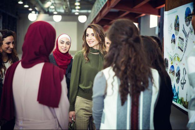 La reine Rania de Jordanie à Amman, le 30 mars 2016