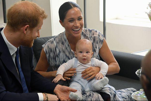 Le prince Harry, son épouse Meghan et leur fils, Archie, au Cap, en Afrique du Sud, le 25 septembre dernier. (photo d'illustration)