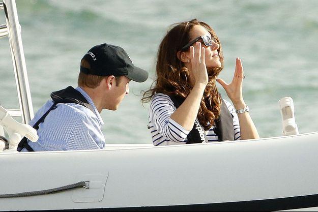 William et Kate avant la régate, dans la baie d'Auckland, vendredi.