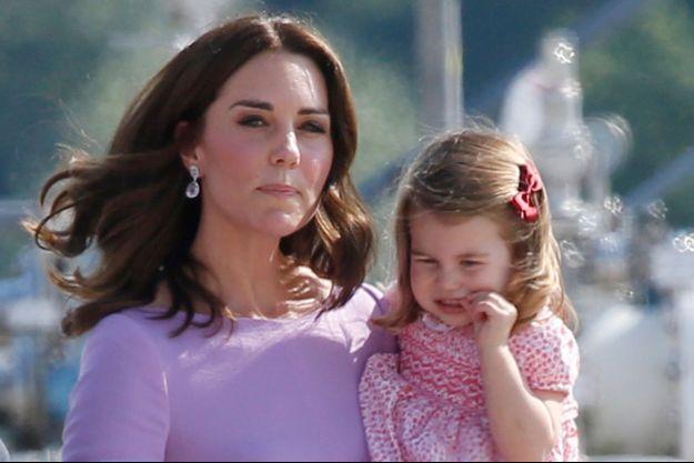 Kate Middleton et sa fille la princesse Charlotte de Cambridge à Hambourg, le 21 juillet 2017
