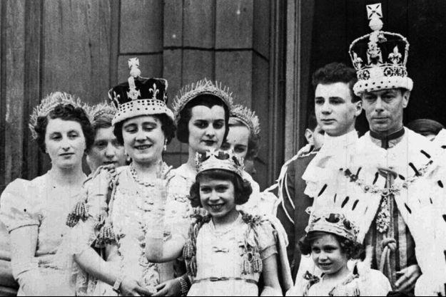 Le couronnement de George VI, le 12 mai 1937 au balcon de Buckingham.