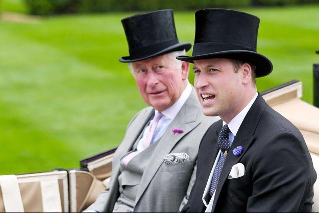 Les princes Charles et William, en juin 2019 au Royal Ascot.