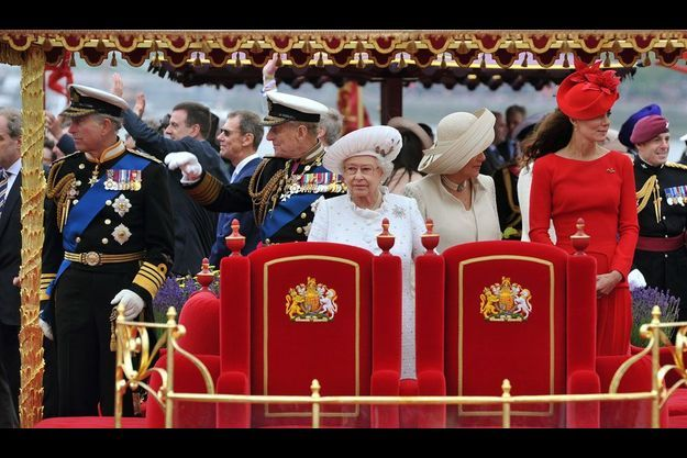 Charles, Philip, la Reine, Camilla et Kate, dimanche après-midi.