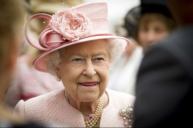 La reine Elizabeth II (en photo en juin 2014) a fêté vendredi le 63e anniversaire de son accession au trône.