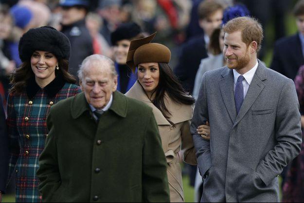 Les jours heureux: Kate, le prince Philip, Meghan et Harry, le 25 décembre 2017.