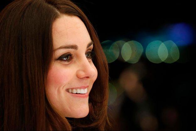 Kate à un gala caritatif à Londres le 28 novembre/.