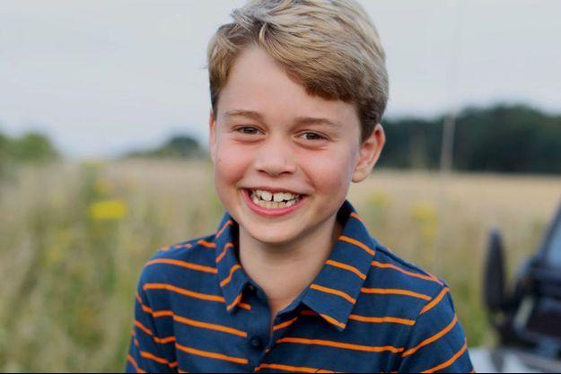 Le prince George pose pour ses 8 ans, sous l'objectif de sa mère Kate.