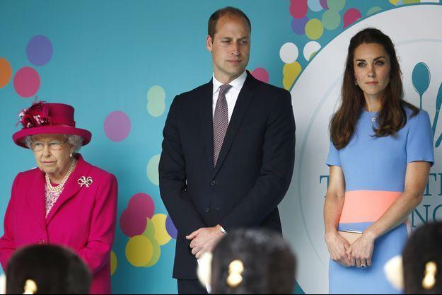 La reine Elizabeth II, le prince William et la duchesse Catherine, en juin 2016.
