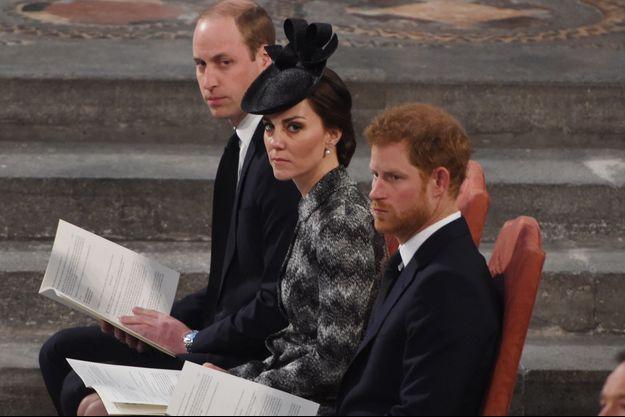 Les princes William et Harry et Kate Middleton à Londres le 5 avril 2017, lors de l'office pour les victimes de l'attentat de Westminster