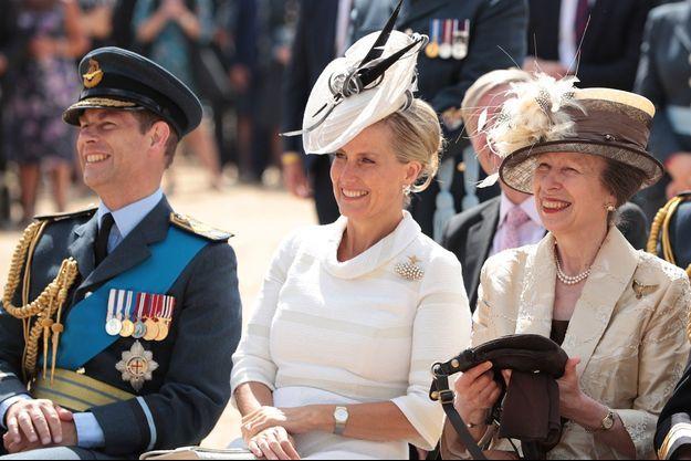 Le prince Edward et sa femme la comtesse Sophie de Wessex avec la princesse Anne, le 10 juillet 2018