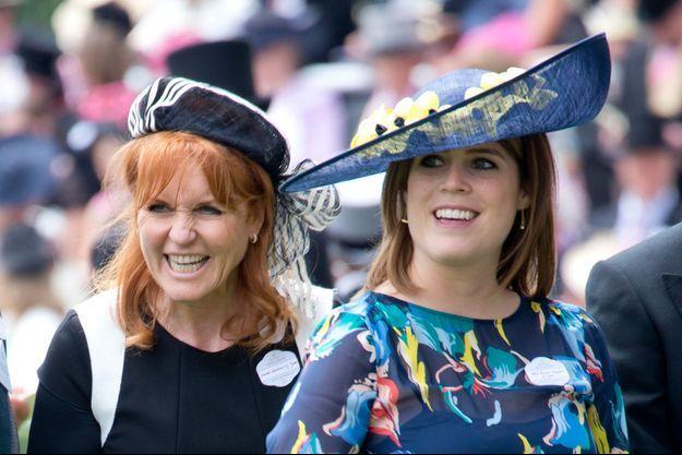 La princesse Eugenie d'York avec sa mère Sarah Ferguson, le 23 juin 2017