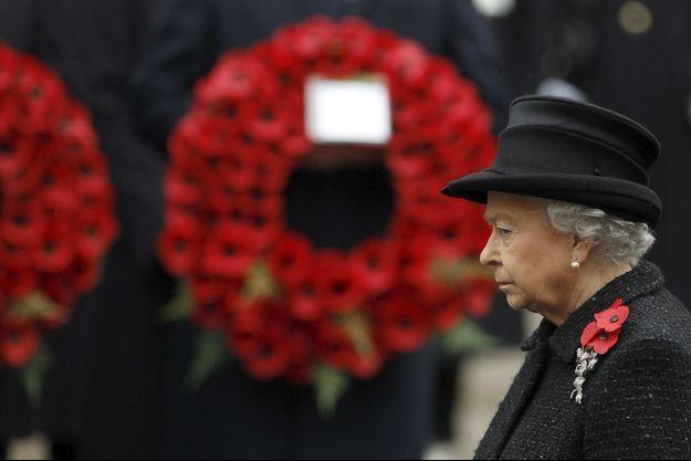 Elizabeth II lors du dimanche du souvenir, à Londres, le 14 novembre 2010.