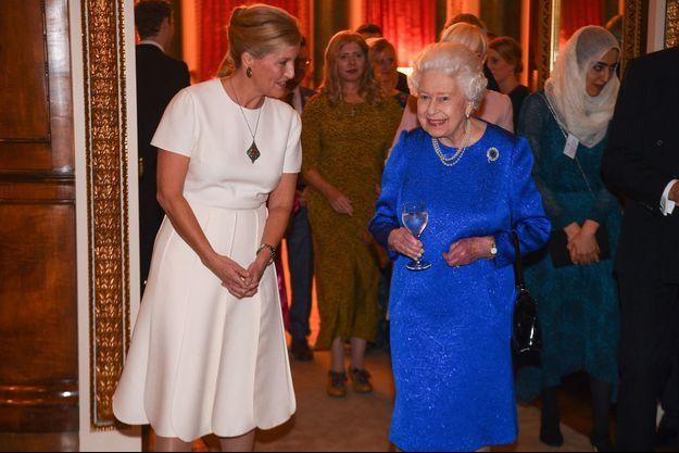 La reine Elizabeth II et sa belle-fille la comtesse Sophie de Wessex à Londres, le 29 octobre 2019