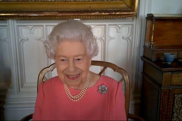 La reine Elizabeth II en visioconférence depuis son château de Windsor, fin février 2021