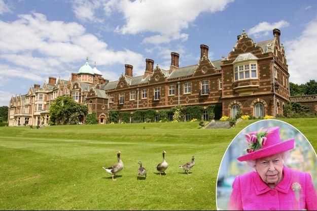 Le château de Sandringham en 2008. En vignette, la reine Elizabeth II le 9 juillet 2019