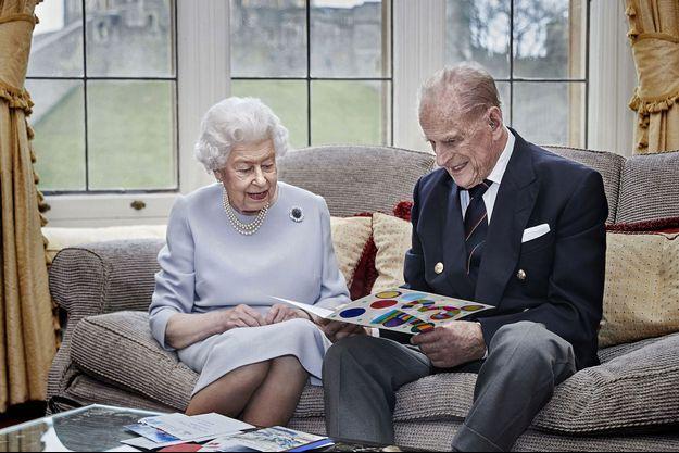 La photo officielle des 73 ans de mariage du prince Philip et de la reine Elizabeth II.