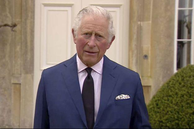 Le prince Charles samedi soir, rendant hommage à son père.