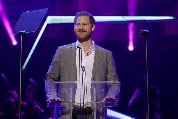 Le prince Harry lors des OnSide Awards, à Londres, dimanche.