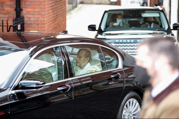 Le prince Philip quitte le King Edward VII's Hospital à Londres en voiture, le 16 mars 2021