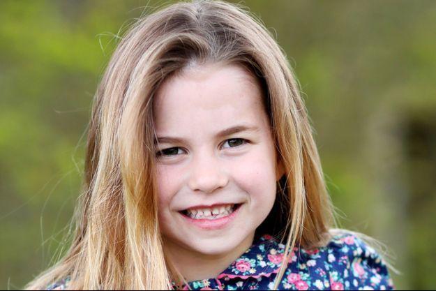 La princesse Charlotte sur le cliché dévoilé pour ses six ans.