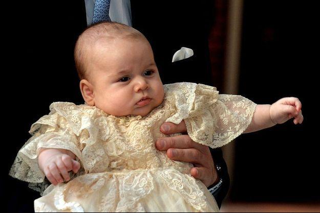 Le prince George lors de son baptême.