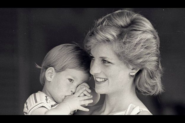 Lady Di et son fils Harry, en 1988