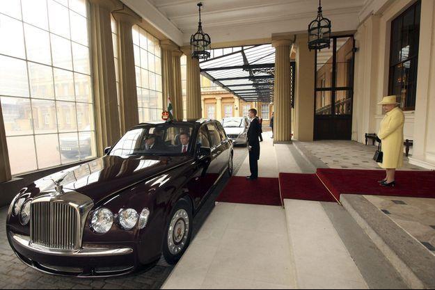 La limousine de la reine à Buckingham Palace, lors d'une visite de la présidente de l'Inde, Prathibha Patil, en 2009.
